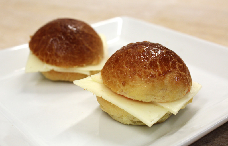 Mini brioches de queso manchego